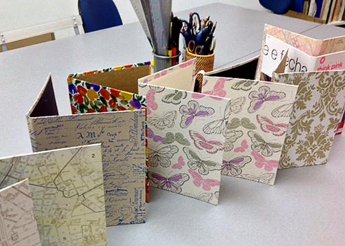 oficina de cadernos inspirados Veio de Lá